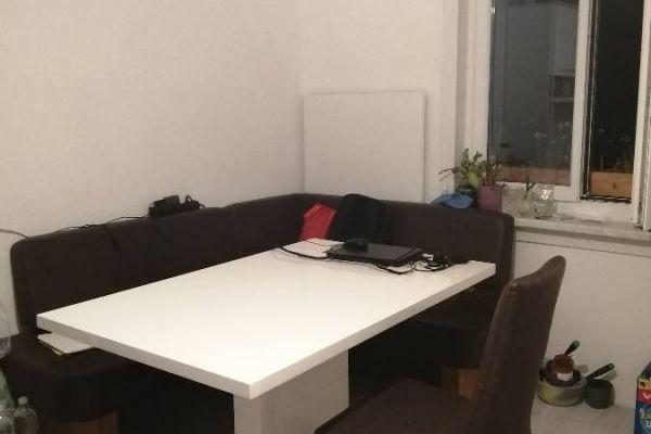 Vermiete tage- und stundenweise einen Büroraum