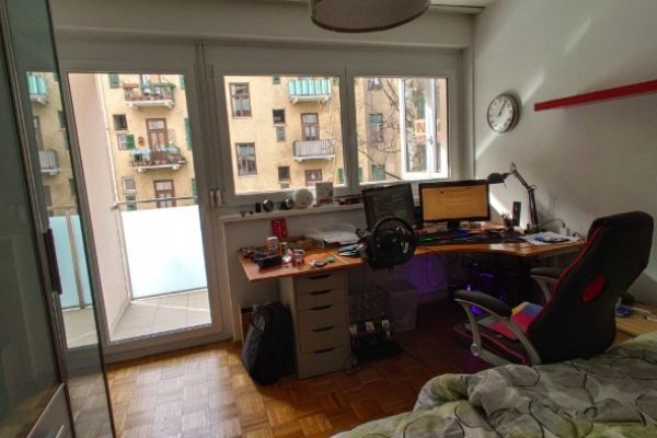 Helles WG-Zimmer mit eigenem Balkon/perfekte Lage