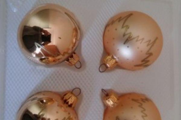 Weihnachtskugeln/Spitzen