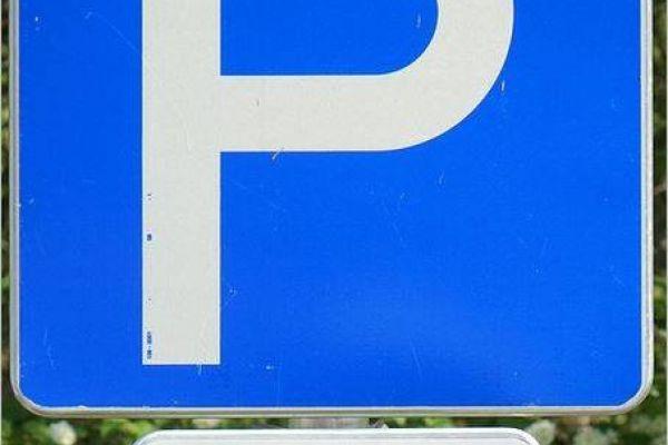 Hötting (Nähe Uni/Klinik): Garagenabstellplatz ab Mai 21 zu vermieten