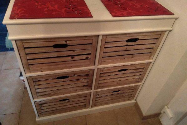 Möbel mit schubladen