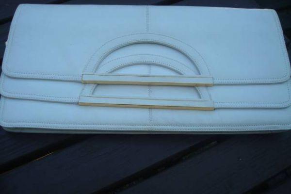 tolle weisse Leder- Kuverttasche 24x 18 cm , offen 30x24 cm