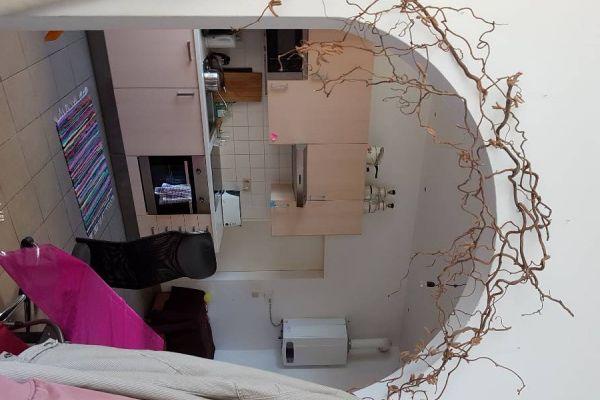 Ruhiges, helles Zimmer zum Hinterhof in Top-Lage nahe Lugner-City!