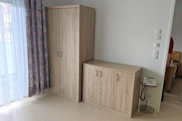 Großer und kleiner Kasten für Zimmer