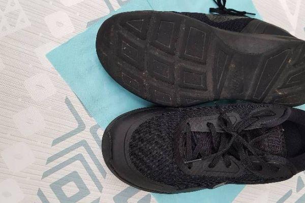 Nike Sportschuhe Größe 47,5 in schwarz