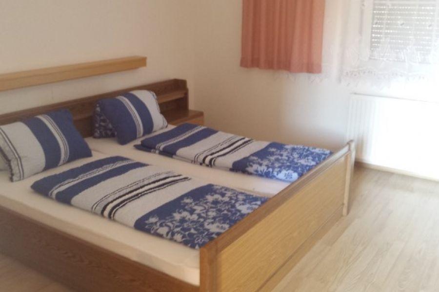 Miniwhg,WG - Zimmer in Jois(nähe Neusiedl am See) - Bild 1