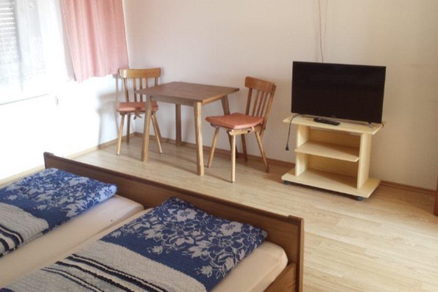 Miniwhg,WG - Zimmer in Jois(nähe Neusiedl am See) - Bild 2