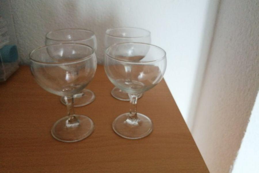 Mehrere Weingläser - Bild 3