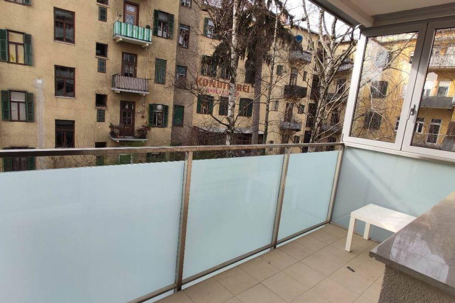 Helles Zimmer mit eignem Balkon in ruhiger 3er WG - Bild 3